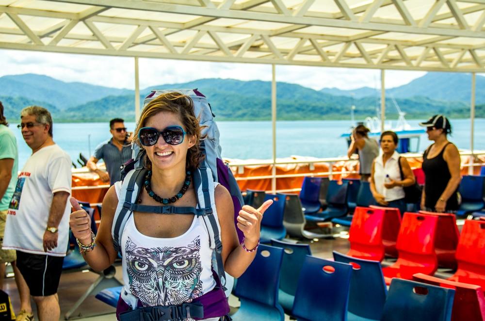 Giulia sul ferry da Puntarenas a Paquera
