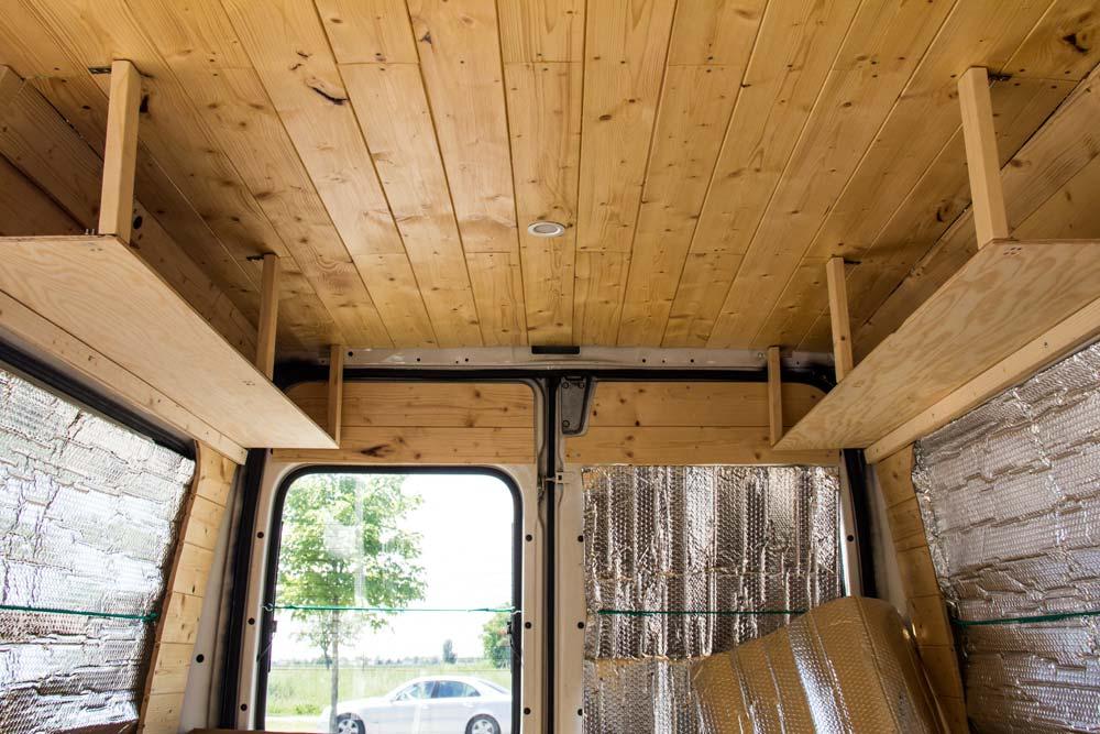 Arredamento interno del soffitto del nostro Ducato camperizzato